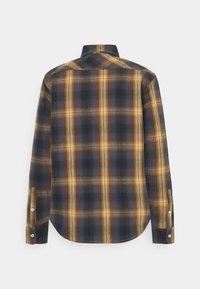 HUF - SANFORD  - Shirt - rich brown - 1