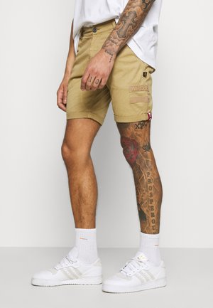 KEROSENE PATCH - Shorts - sand