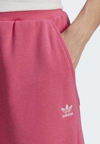 adidas Originals - CUFFED  - Pantalones deportivos - sesopk - 4