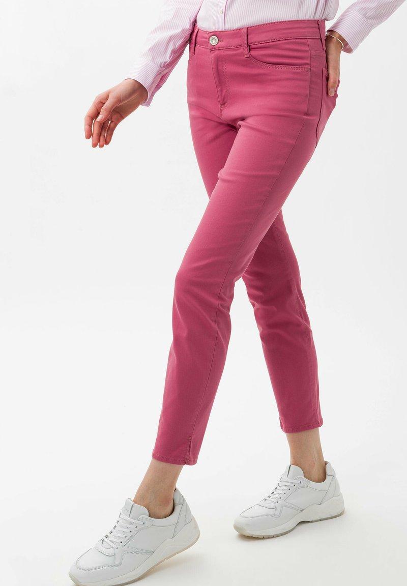 BRAX - STYLE SHAKIRA S - Slim fit jeans - magnolia