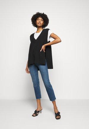 MARA ANKLE MID RISE  - Straight leg jeans - chancery