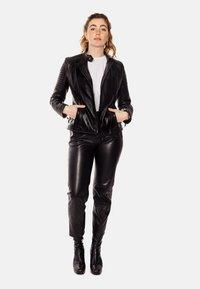 LEATHER HYPE - ÉLYSÉE PERFECTO - Leather jacket - black - 3