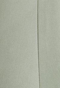 Pieces - PCKAMALA TEE - Basic T-shirt - desert sage - 2