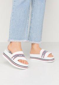 TOM TAILOR - Pantofle na podpatku - white - 0