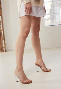 Steve Madden - CLEARER - High Heel Sandalette - clear - 5
