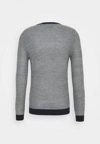 Jack & Jones - JORTONS CREW NECK - Stickad tröja - navy blazer - 1