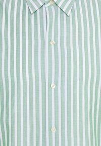 Scotch & Soda - RELAXED FIT SHORT SLEEVE SAILOR  - Shirt - light green/white - 2