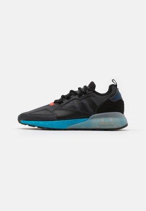 ZX 2K BOOST UNISEX - Sneakers basse - core black/glow blue