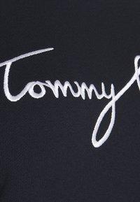 Tommy Hilfiger Curve - GRAPHIC - Sweatshirt - blue - 4