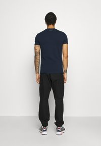 Antony Morato - SUPER SLIM FIT WITH PINS BICOLOUR LOGO - Print T-shirt - avio blu - 2