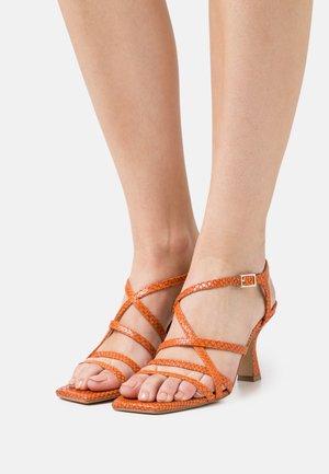 Sandalias - papua arancio