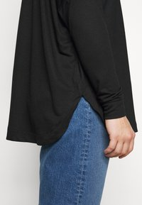 CAPSULE by Simply Be - CURVED HEM LONG SLEEVE - T-shirt à manches longues - black - 4
