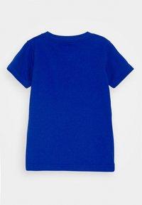 Nike Sportswear - TEE UNISEX - Camiseta estampada - game royal - 1