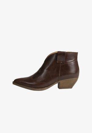 IMANI - Korte laarzen - brown