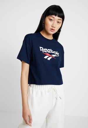 CROP TEE - Print T-shirt - collegiate navy