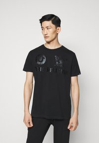 True Religion - CREW ALLOVER LOGO  - Camiseta estampada - black - 0