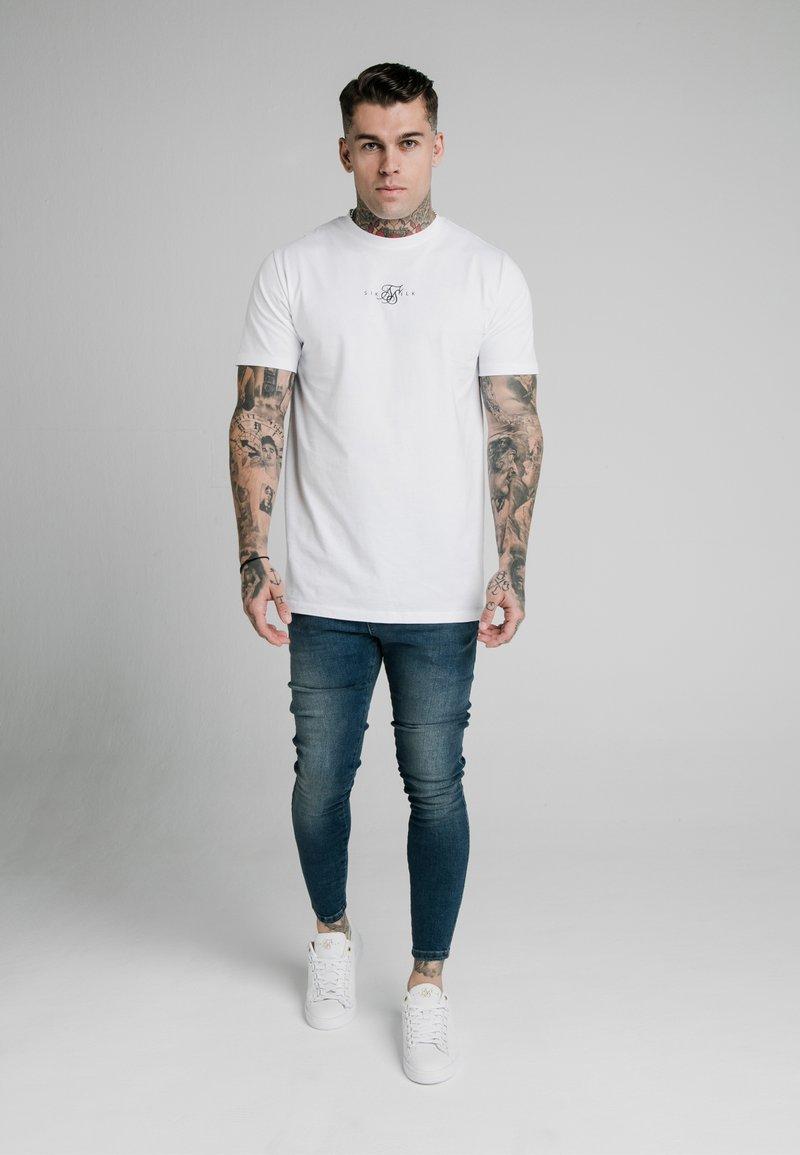 SIKSILK Jeans Slim Fit - midstone blue/blau g6asyL