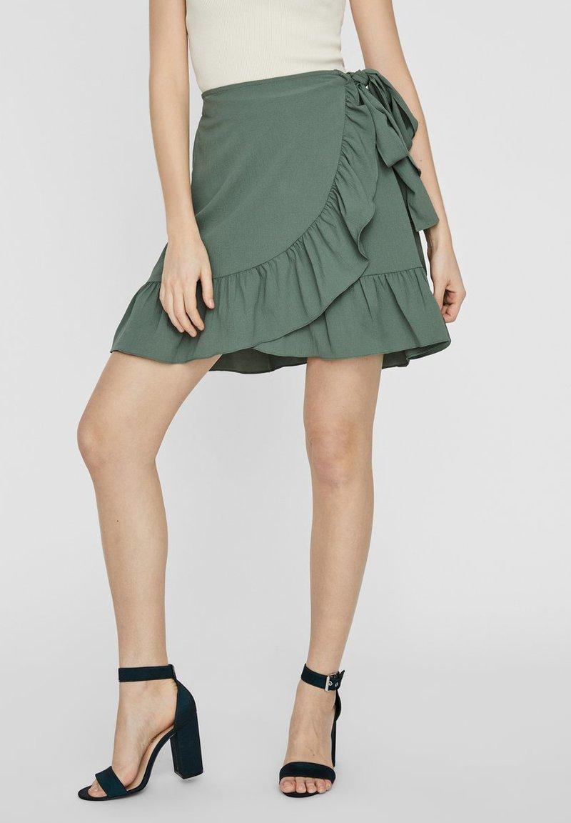 Vero Moda - ROCK WICKEL - A-line skirt - laurel wreath
