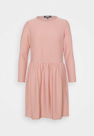 TEXTUREN SMOCK DRESS - Jersey dress - pink