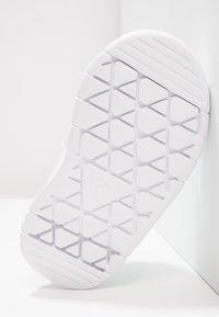 adidas Performance - ALTASPORT CF - Sportovní boty - blanc - 4