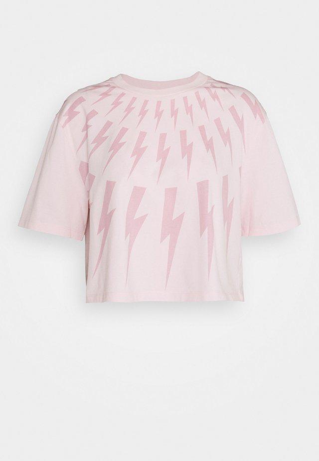 FAIR ISLE THUNDERBOLT CROP - Triko spotiskem - pink/dark pink