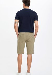 DeFacto - Shorts - grey - 1