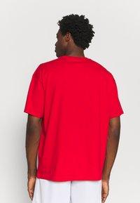 Nike Performance - NBA CHICAGO BULLS JORDAN STATEMENT TEE - Klubbkläder - university red - 2