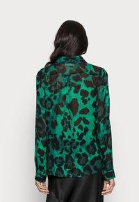 InWear - YASMEEN SHIRT - Button-down blouse - green - 2
