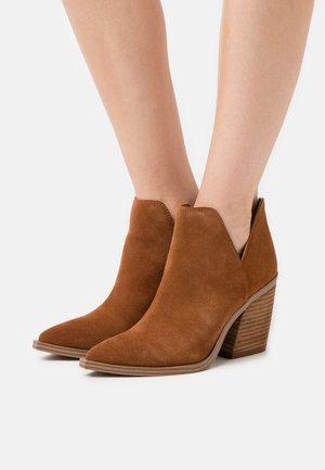 ALYSE - High heeled ankle boots - chestnut