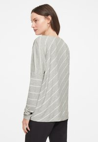 comma casual identity - Long sleeved top - grey diagonal stripes - 2