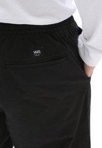 Vans - MN RANGE RELAXED ELASTIC PANT - Trousers - black - 2