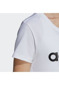adidas Performance - DESIGN 2 MOVE LOGO TEE - Camiseta estampada - white/black - 4