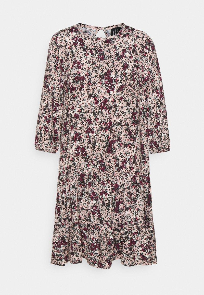 Vero Moda Petite - VMLIVIANA 3/4 ONECK DRESS - Kjole - fawn/liviana