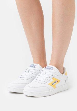 FLASH - Sneakers laag - neon yellow