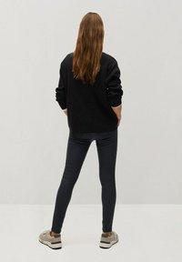 Mango - Jeans Skinny Fit - zwart - 2
