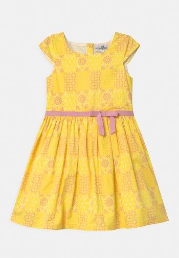 ECO - Vestido de cóctel - yellow