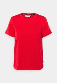 Calvin Klein - SMALL LOGO EMBROIDERED TEE - Jednoduché triko - red glare - 0