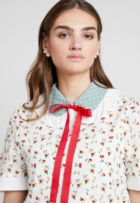 Sister Jane - ONE CHERRY COVEN - Blouse - ivory - 4