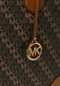MICHAEL Michael Kors - EVA TOTE - Tote bag - brown - 7