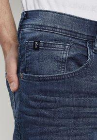 TOM TAILOR DENIM - Denim shorts - blue denim - 4