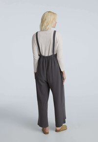 OYSHO - LONG STRAPPY WITH POCKETS - Jumpsuit - anthracite - 2