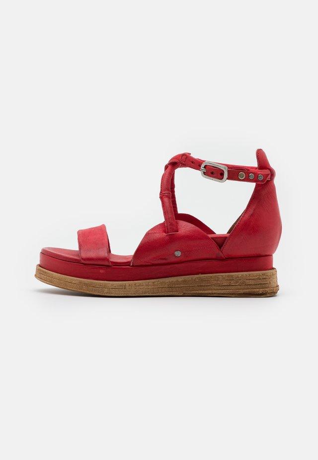 Sandalen met plateauzool - blood