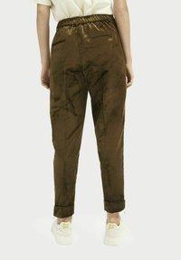 Scotch & Soda - HIGH-RISE - Trousers - military green - 2