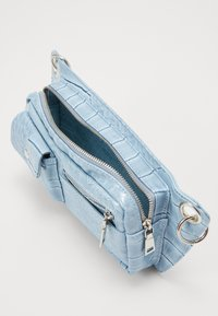 HVISK - BAGS - Olkalaukku - dusty blue - 4