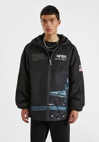 PULL&BEAR - Zimní bunda - black - 0