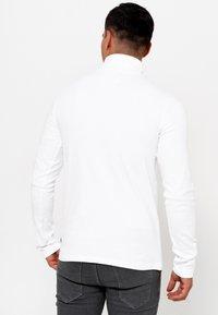 INDICODE JEANS - Sweatshirt - offwhite - 2