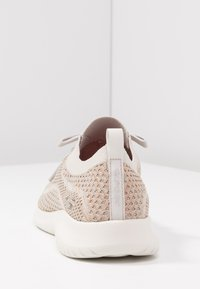 Skechers Sport - ULTRA FLEX - Mocasines - taupe/gold/offwhite - 5