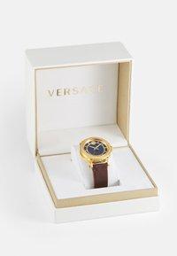 Versace Watches - CODE - Klokke - brown/blue - 3