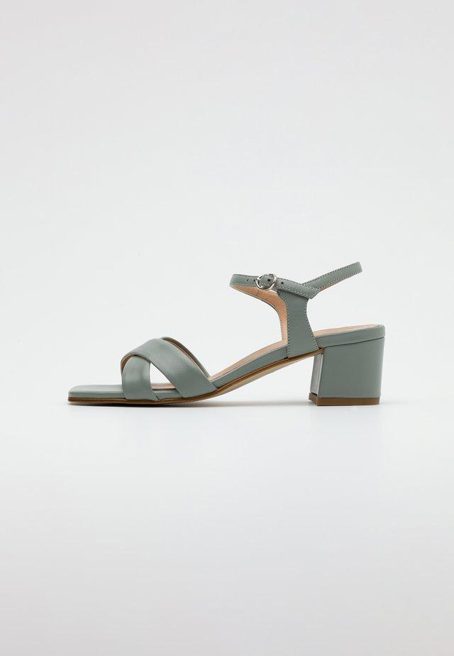 LEATHER SANDALS - Sandalias - mint