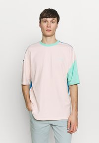 Hummel Hive - UNISEX HMLFERIE  - T-shirts med print - blue aster - 0